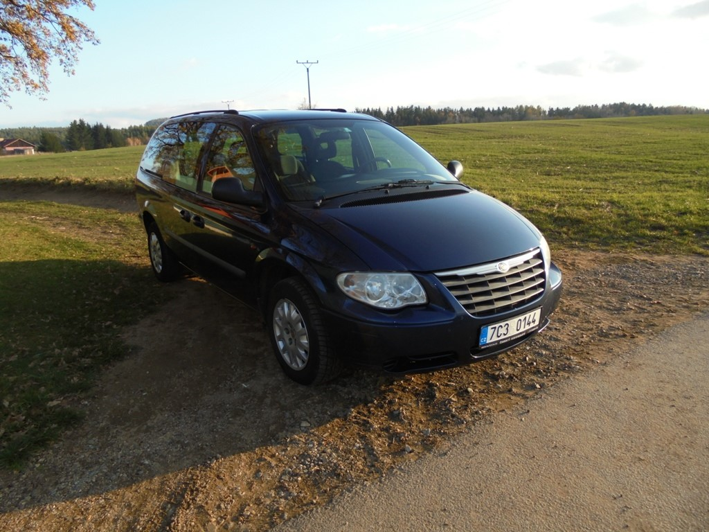 Chrysler Grand Voyager 2,8 CRDi,AUTOMAT,7 míst,TOP STAV