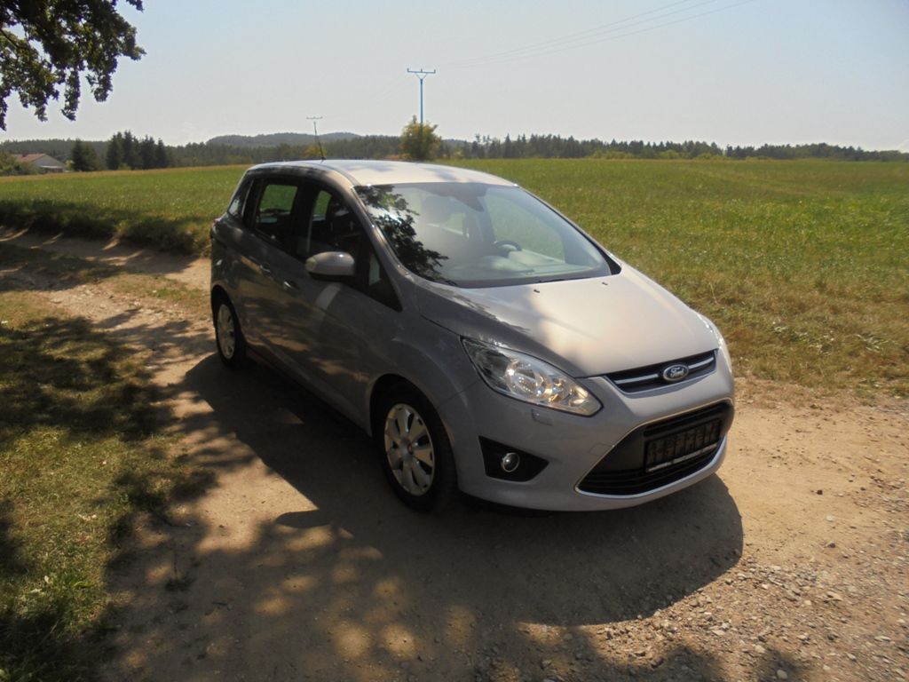 Ford Grand C-MAX Trend 1,6 TDCi 85kw,1x maj.Top stav!!!